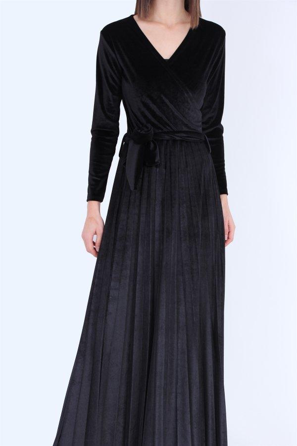 Kravuze Yaka Kadife Elbise