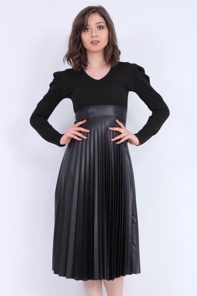 Eteği Deri Detaylı Piliseli Elbise